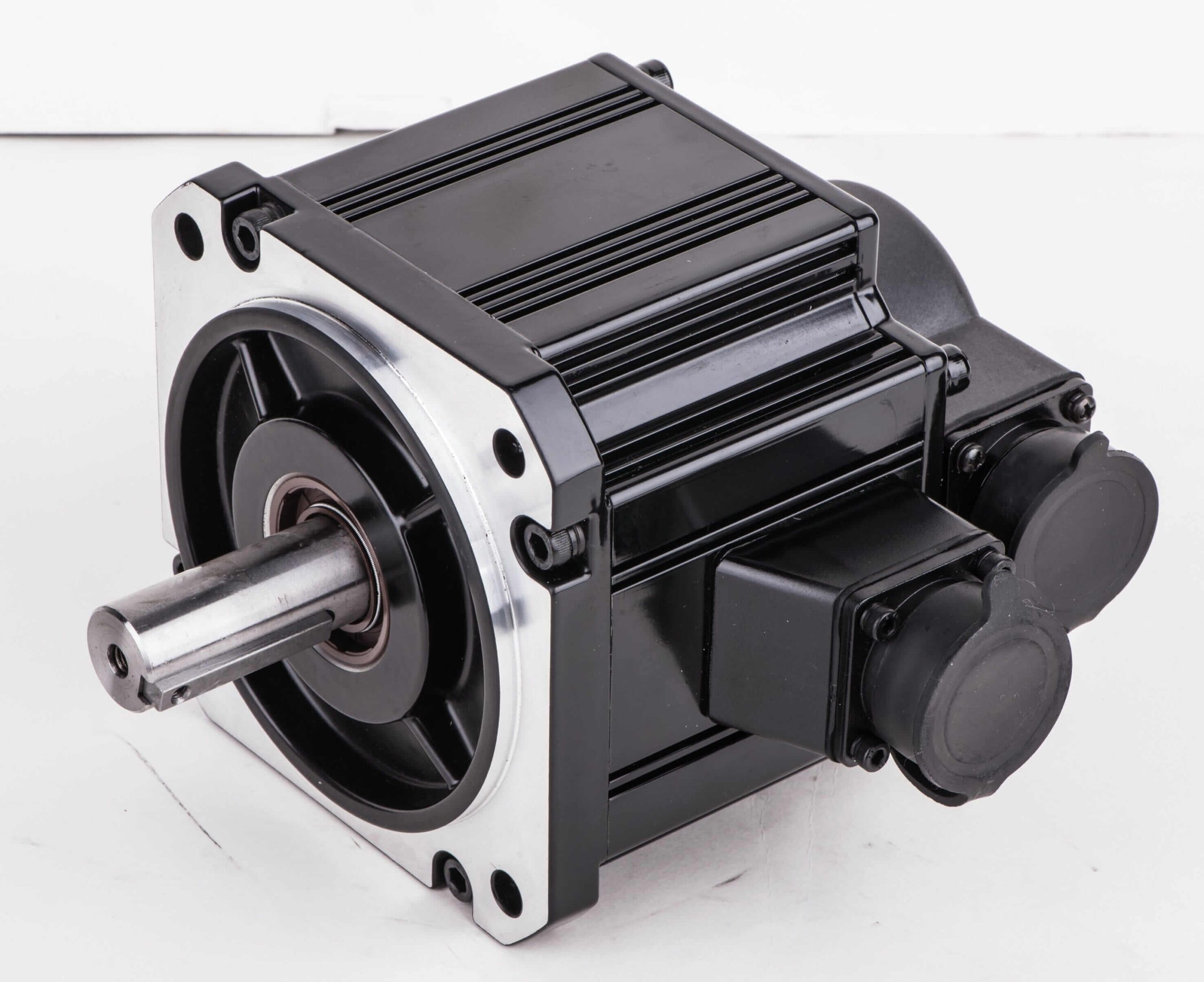 Imagem: 2021/03/Servo-motor-1-2kW-INVT-scaled.jpg